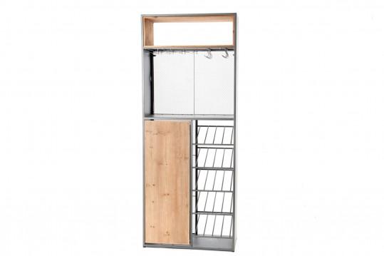 Bar en bois et métal avec table